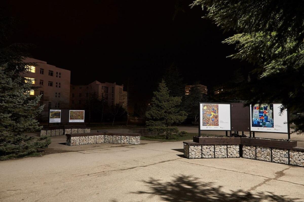 """В уличной галерее в парке """"Каменный цветок"""" теперь есть освещение!"""